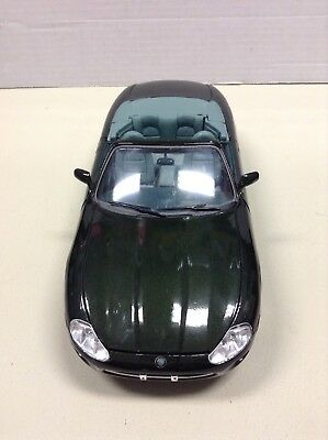 Maisto Jaguar XK8 (Special Edition, 31836) 1996 (1:18 Series) Green Convertible