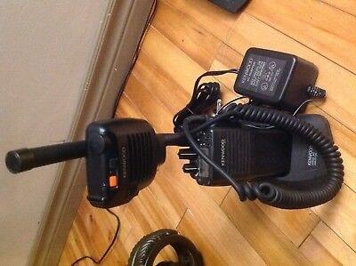 Kenwood Tk-190 Tk190 Portable Radio With Speaker Mic And Charger