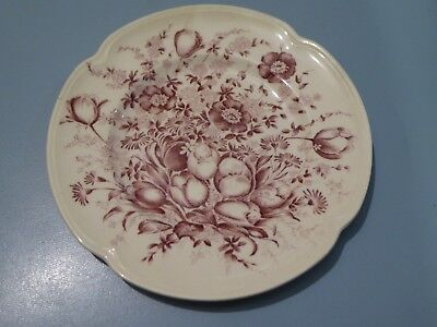 Vintage Johnson Bros Windsor ware plate Pretty Pinkyred Hand Engraving Pattern