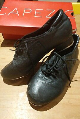 Boys Black lace up Tap dance Shoes. As New. Child size 5. New retail approx $100
