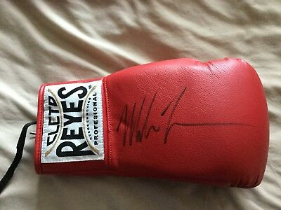 New Mike Tyson Signed Red Cleto Reyes Autograph Boxing Glove