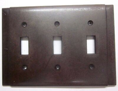 Vintage Deco Beco 2 vertical ribs brown bakelite 3 gang switch wall plate cover