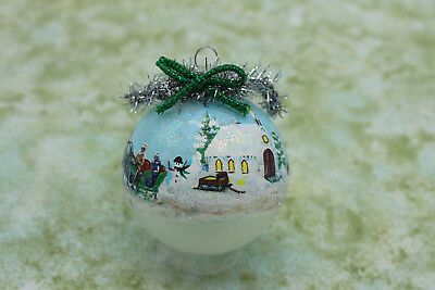 Z008 Christmas Ornament - winter church, horse and green sleigh parked buggy