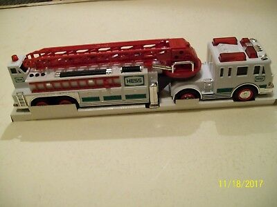 2000 Hess Fire Truck. HD extension ladder, stabilizers, detachable ladders ,more
