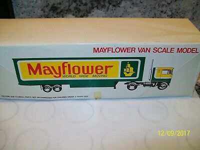 Mayflower Moving Van Scale Model. New in the box