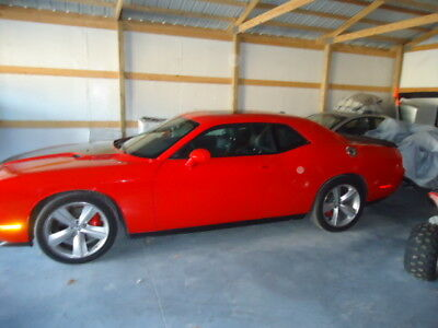 2009 Dodge Challenger srt8 2009 dodge challenger srt8,6.1 hemi,auto,red,10,000 miles,excellent condition