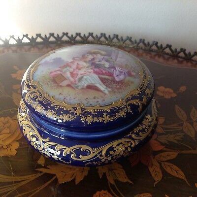 Antique Sevres or Sevres style Chateau Tuileries, Louis Philippe porcelain box