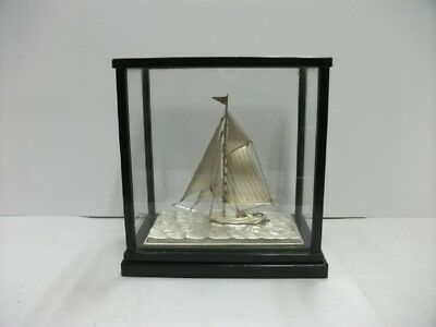 The sailboat of Silver of Japan. #42g/ 1.48oz. Japanese antique