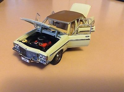 Trax 1/43 Opal Series To-10 1977 Hz Holden Statesman Deville.chamois/vinyl Roof.