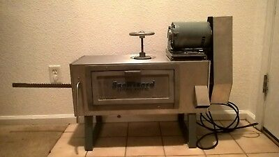 Snowizard Block Ice Commercial Snoball Machine, Used, Very good condition