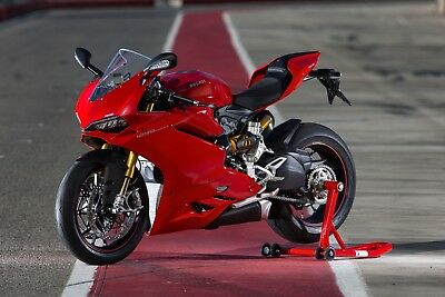 2017 Ducati Superbike  2017 Ducati Panigale S 1299 in LIKE NEW / Mint condition pampered and babied.