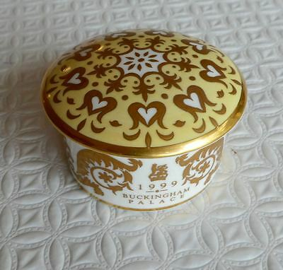 Buckingham Palace 1999 pill box/trinket box from The Royal Collection