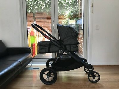 Baby Jogger City Select - Double Pram  (Inc. 2nd seat & Bassinet)
