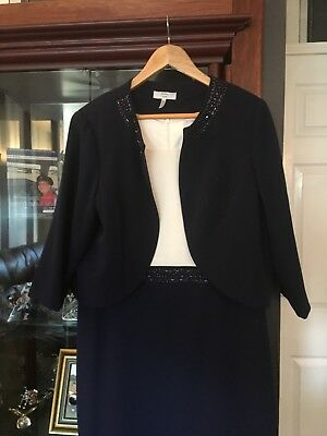 Tailored Ladies Skirt Suit Size 20