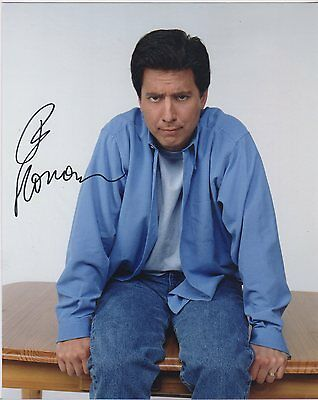 Ray Romano Autographed 8X10 Color Photo With Coa.