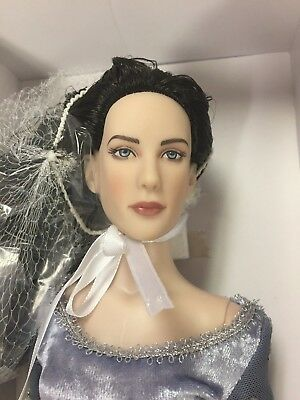 """Tonner ARWEN EVENSTAR Lord Of The Rings LE 16"""" Fashion Doll   NRFB"""