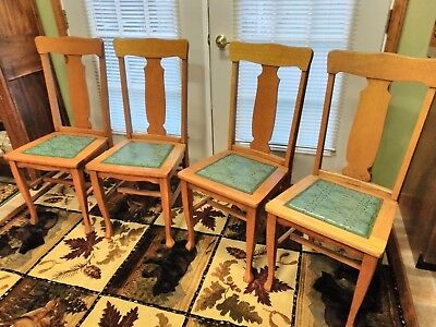 Set of 4 OAK DINING ROOM TABLE CHAIRS