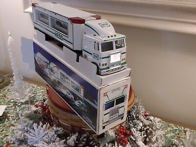 1997 Hess Toy Truck With 2 Race Cars And Bag Brand New In Box Never Opened