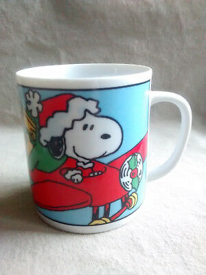 Peanuts Characters Snoopy Airplane Christmas Cup Mug 1965 United Feature Syndica