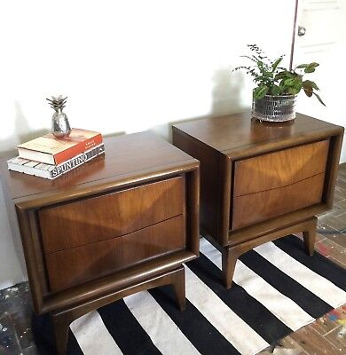United Furniture Mid-Century Modern Diamond Front Nightsand/Bedside dressers