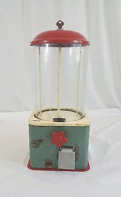 Vintage Hawkeye Novelty Co. One Cent Peanut Machine with Coin Return