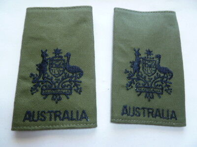 australia army old as new epaulettes pair  vietnam jungle type wo