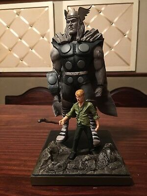 Thor Marvel Origins Statue #631/1500 w/Certificate of Authentication