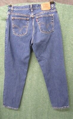 Levis Jeans Womens size 14 M blue denim Relaxed fit tapered leg 550 Vintage