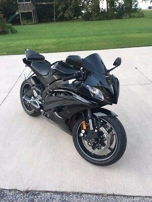 2010 Yamaha YZF-R  2010 Yamaha YZF R6 - Only 1k Miles - BLACKED OUT - FULL TWO BROS EXHAUST + MORE