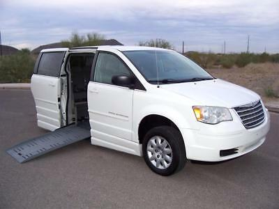 2009 Chrysler Town & Country LX Wheelchair Handicap Mobility 2009 Chrysler Town & Country Touring Wheelchair Handicap Mobility Transfer Seat