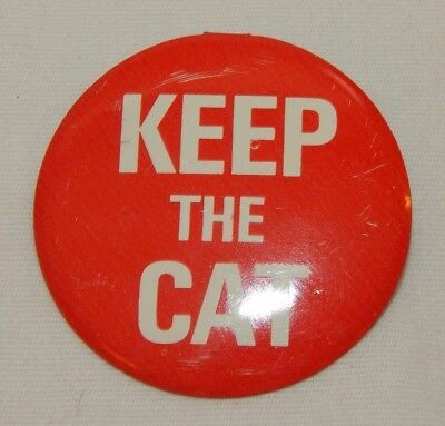 Vintage Esso Gasoline Keep the Cat Advertising Pinback Pin