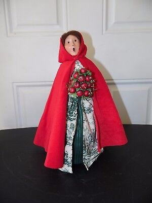 Byers Choice 2001 Woman in Red Cape With Apples Made For Williamsburg Christmas