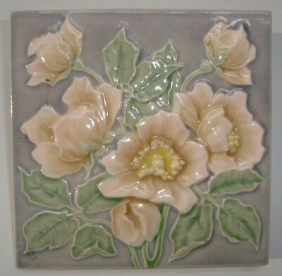Jugendstil Fliese Art Nouveau Tile, M.O.&. P.F. v.C.T.M Flowers grey background