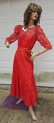Vintage 1940's Woman Mannequin With Dress