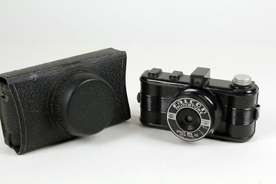 Falcon Miniature Bakelite Camera Made in Chicago - Great for display