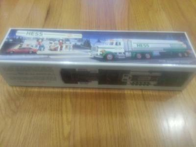 1990 Hess Toy Tanker Truck Dual Sound Switch Real Head and Tail Lights MINT NEW
