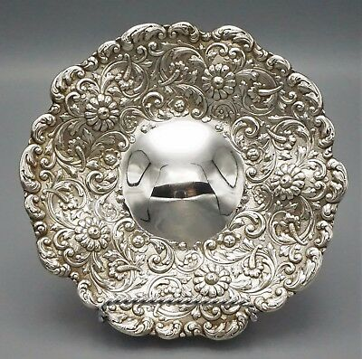 TIFFANY AND Co STERLING SILVER REPOUSSE PLATE, RARE PATTERN, NO MONO