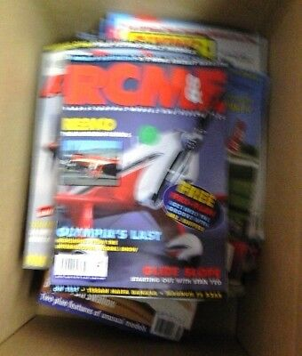 """""""BOAT BUILDER"""" & other title boat Magazines  (bulk lot) in good condition"""
