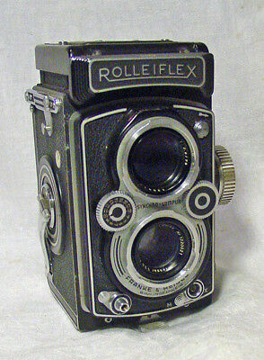 Rolleiflex 3.5B TLR Medium Format Camera w/3.5 75mm Zeiss Lens and leather case