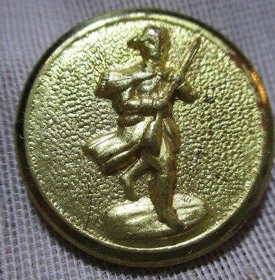 Gold Cast? Metal Picture Button Of A Minute Man Holding A Rifle