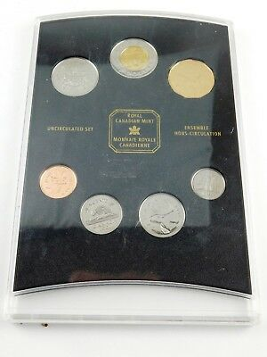 Royal Canadian Mint 2001 UnCirculated Coin Set In Case