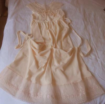 Vintage 1950's Lustre Ladies Peachy Pink Nylon Full Length Nightie Lace Trim Sw