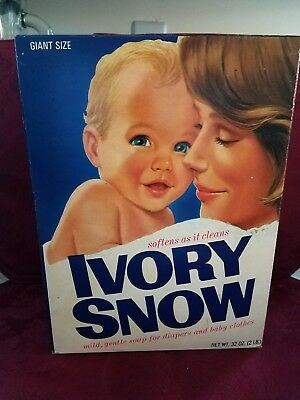 Good Pre-Owned Vintage 1970's Box of Ivory Snow Laundry Detergent 1/4 Full 32 oz