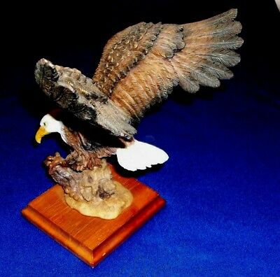 """Vintage 1980's 10"""" Tall Resin Bald Eagle Statue On Wood Base W/ Arched Wings"""