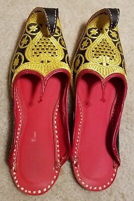 "Punjabi Jutti ""Aladdin"" Curly Toed Shoes Gold Embroidered Size 40 (9 Ladies)"