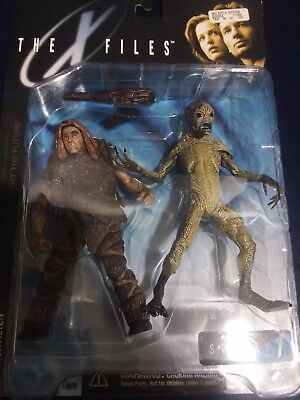 The X Files Series 1 Attack Alien Action Figure