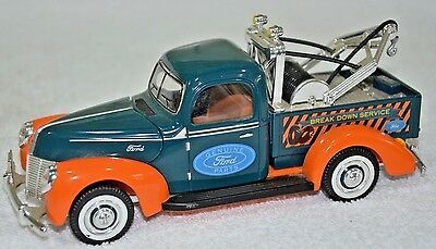 Golden Wheels 1940 Ford GENUINE PARTS TOW Truck  '40 Diecast