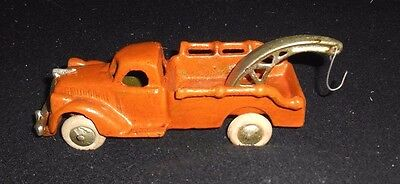 "1940's STYLE CAST IRON TOW TRUCK WRECKER Rubber Tires Studebaker or Ford? 7"" L"