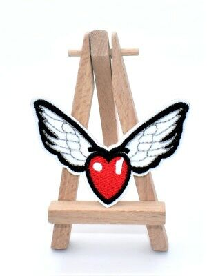 Ecusson ailes et coeur amour wings and heart love patch brodé thermocollant 8 cm