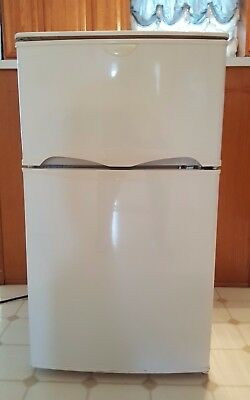 Frigidaire Compact Mini Fridge With Top Freezer 3.1 cu.ft. White Great Condition